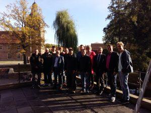 Eine Abbildung zeigt die Teilnehmer des UVH-Seminars